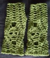 groene skull gauntlets