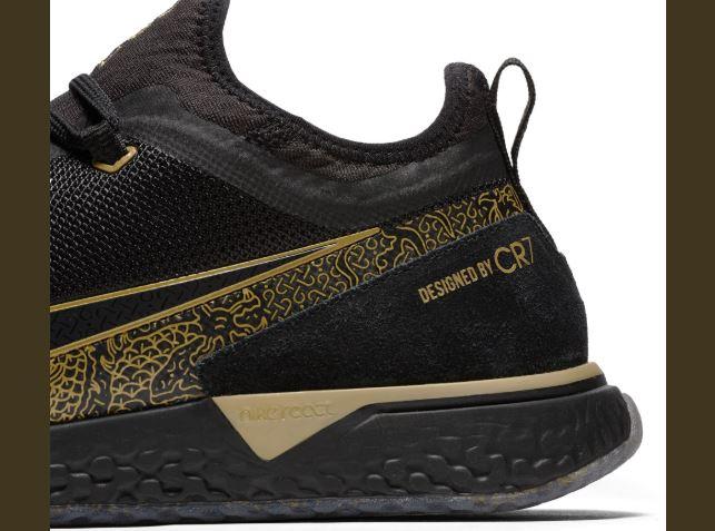 ronaldo nike shoes gold