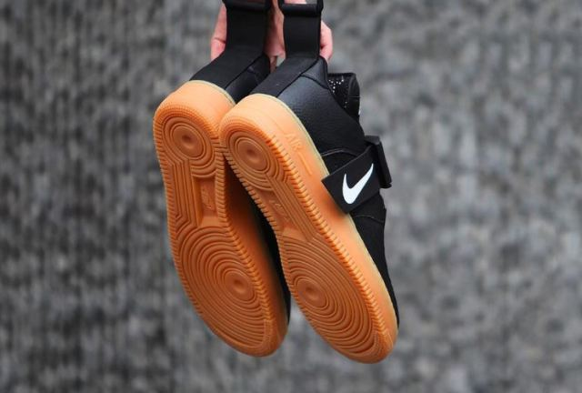 Llega un nuevo colorway de las Nike Air Force 1 negras