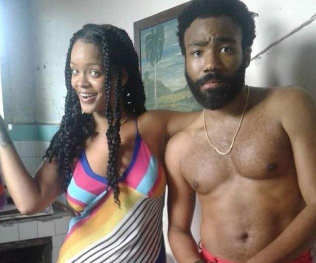 Donald Glover y Rihanna