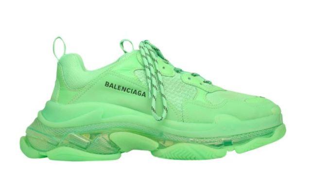 """Llegan las Balenciaga Triple S en un tono """"Neon Green"""""""