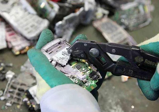 Las Olimpiadas de Tokio 2020 otorgarán medallas recicladas hechas con aparatos viejos