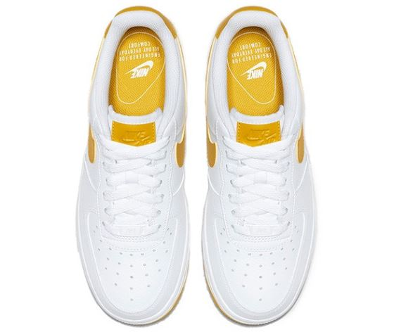 Nike Air Force 1 blancas y amarillas