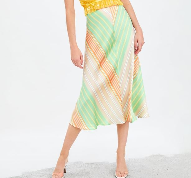 falda de satén