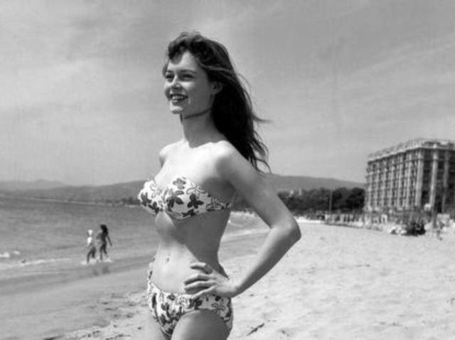 El traje de baño de dos piezas cumple 73 años: el origen del bikini