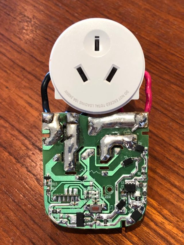 Arlec Smart Plug In Socket Circuit Board Underside View