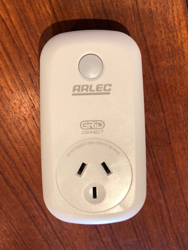 Arlec Smart Plug In Socket Front View