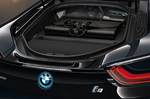 louis vuitton luggage set for 2014 bmw i8 06 570x378 Louis Vuitton Luggage Set for 2014 BMW i8