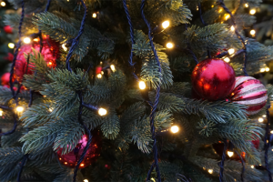 holidays 300x200 Eco friendly Ways to Spruce Up Your Home for the Holidays