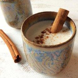 Chai latte com especiarias