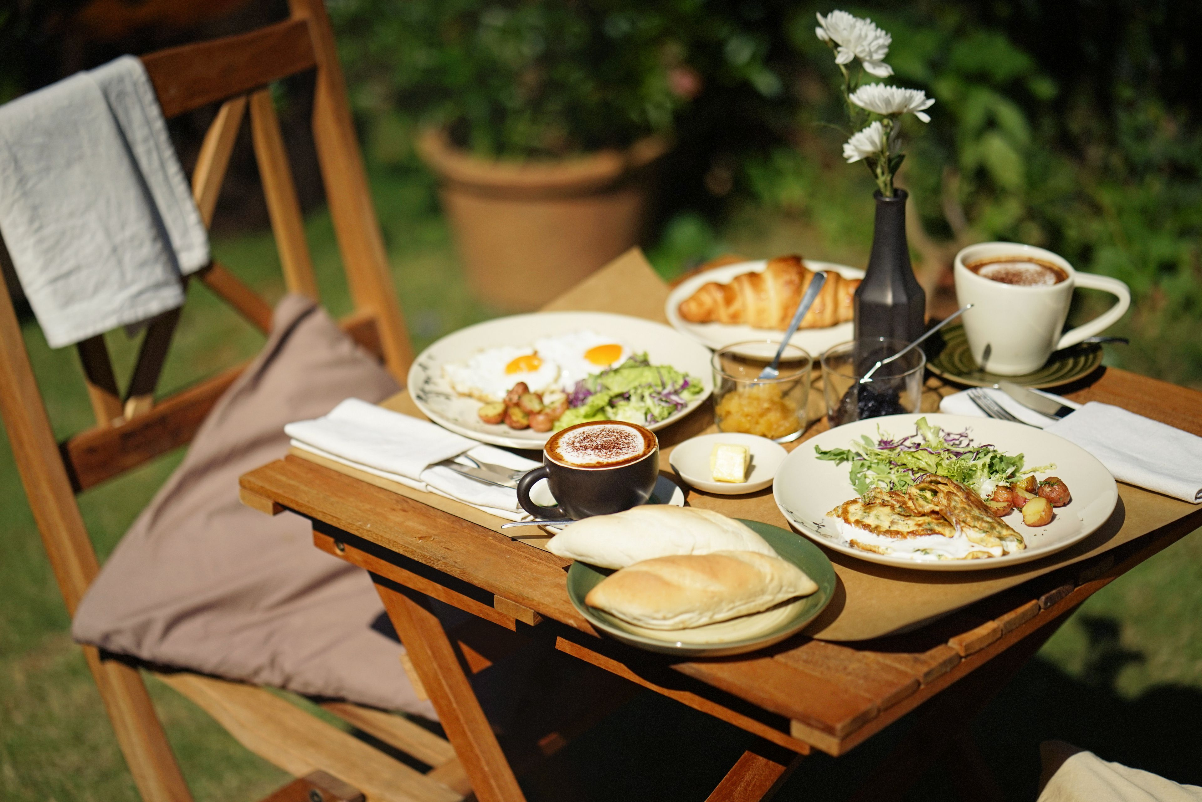Breakfast and coffee in the garden