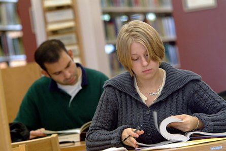 035_ccc_student&book