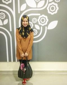 Pilihan warna gold dari blogger Radhia