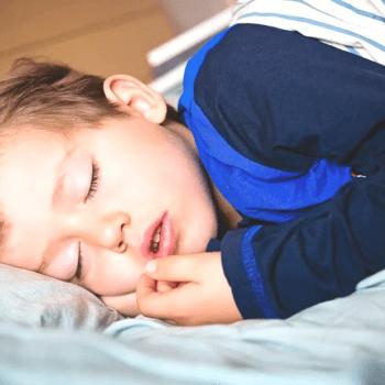 hijo-habla-mientras-duerme