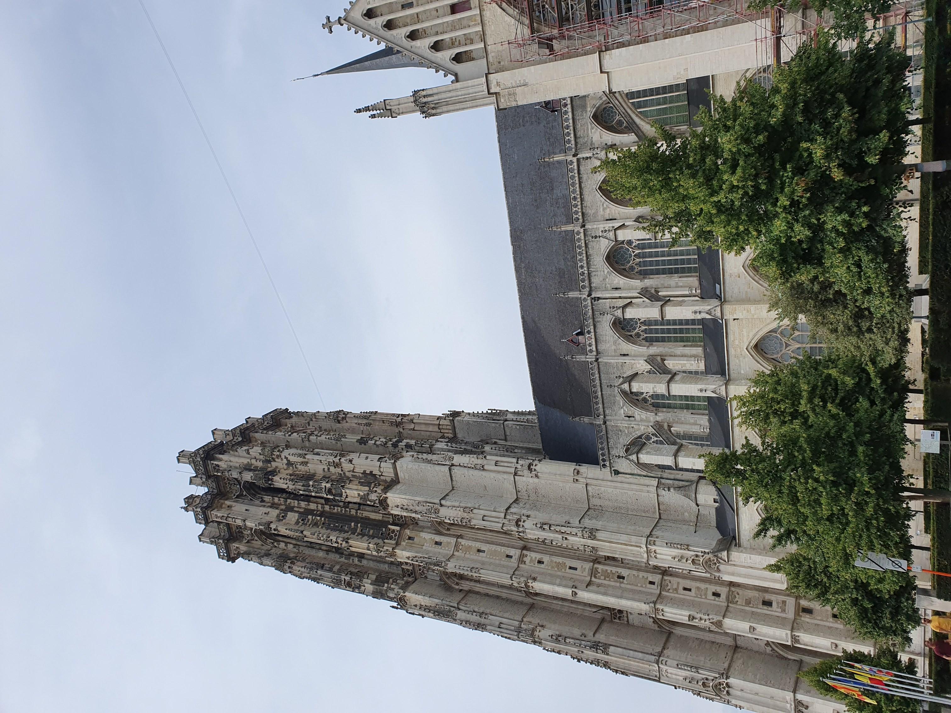 Cathédrale de Saint-Rombaut extérieur