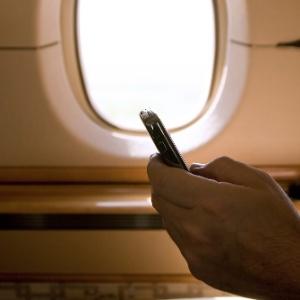 celular avião