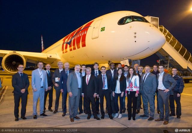 Primeiro Airbus A350 XWB da TAM chega ao Brasil