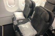 Primeira classe (interna) da American Airlines de Honolulu para Los Angeles