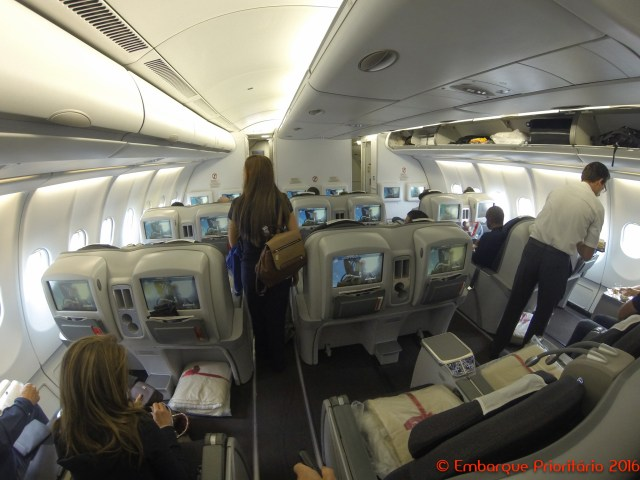 Classe executiva da Avianca de Lima para Miami