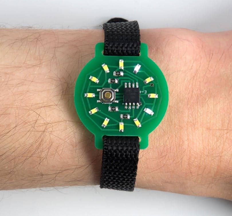 Simplest Attiny85 based watch