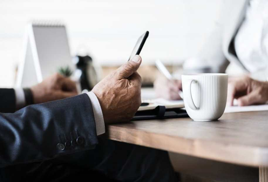 How Modern Technology Is Used In Business Communication