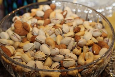 almonds-pistachios-cashews-dried-nuts-86649