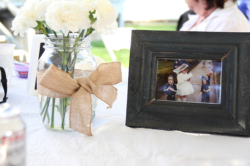 White_lace_picture_frame_family_photographer_nj_pa_new_jersey_ny_video_creative_agency