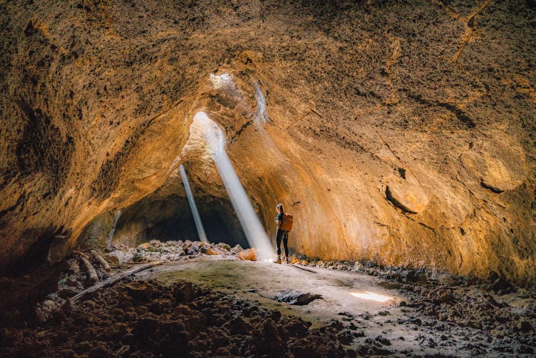 Light beam cave Oregon