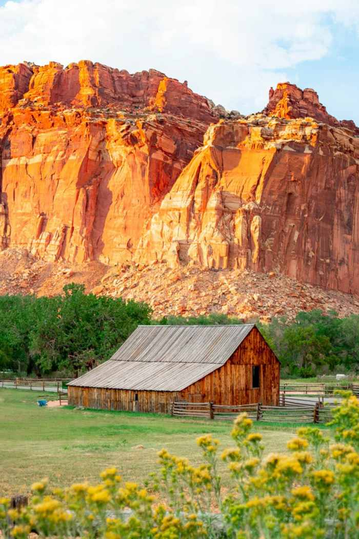 7 STUNNING Hikes at Capitol Reef National Park