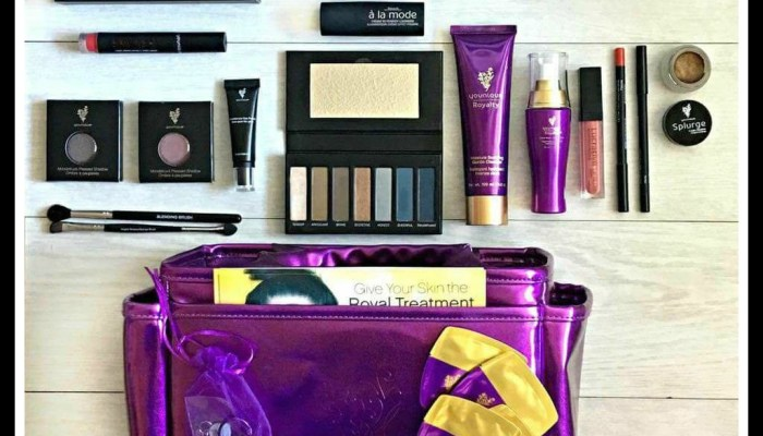 September 2017 Younique Presenters Kit