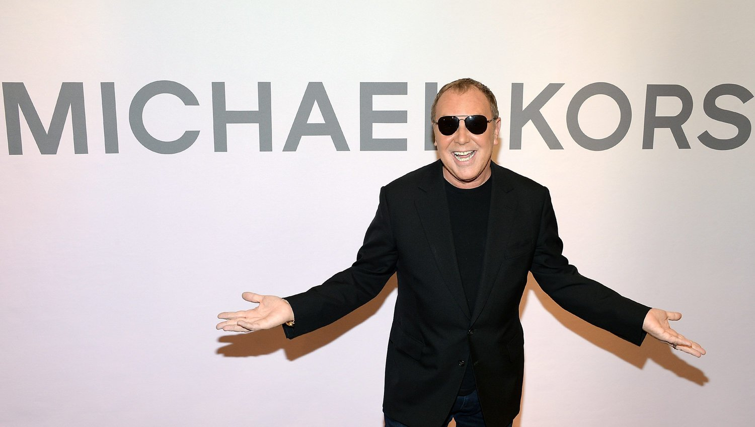 fd04e3e8293 Michael Kors is one of the most respected fashion designers in the world.  His hand bags are some of the most coveted bags on the market that women  from all ...
