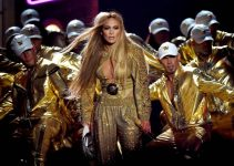 20180821023628-US-2018-MTV-VIDEO-MUSIC-AWARDS-SHOW-1020386824-630x450