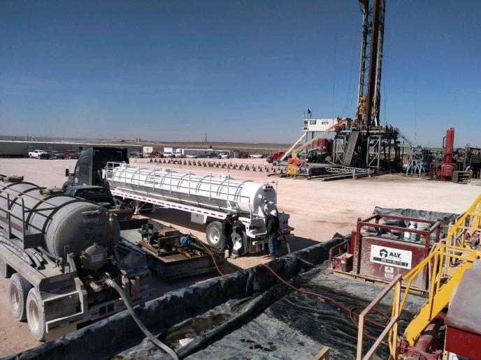 frac tank cleaning permian basin - Emco Oilfield services