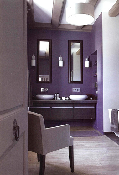 violet-bathroom18