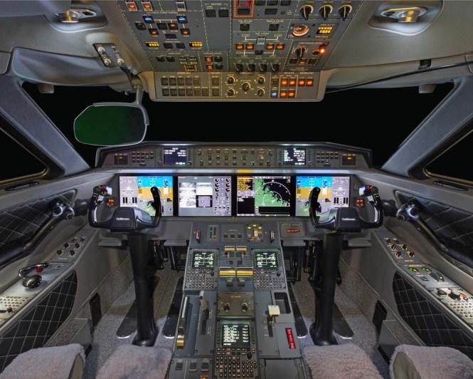 Cockpit 650
