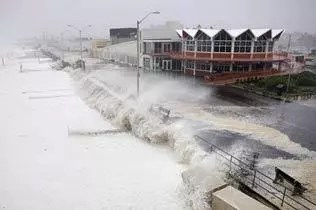 hurricane irene blowing ashore