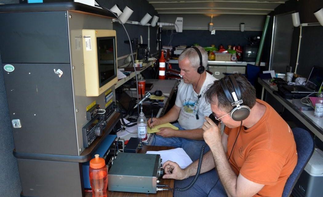 Los radioaficionados que están conectando el Caribe después del huracán María