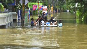 Los equipos de rescate continúan con las labores de salvamento (AP)