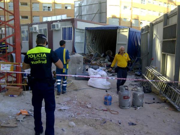 Un trabajador resulta herido muy grave con quemaduras tras una explosión (1/3)