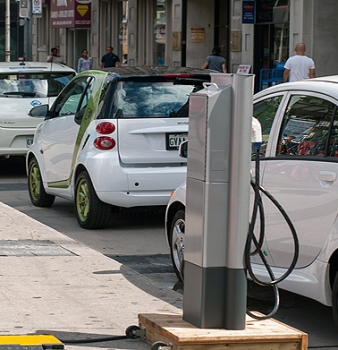 Can Electric Vehicles Boost Grid Resilience?