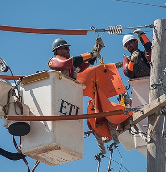 Optimizing Lineman Scheduling for Faster Outage Restoration