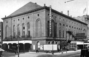 Academy of Music in Manhattan where the New York Philharmonic performed their tribute to Abraham Lincoln on April 29, 1865.  Courtesy Chapters of Opera (1909) by Henry Edward Krehbiel.