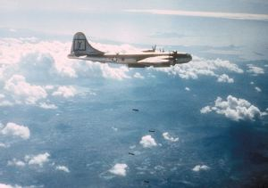 B-29_307th_BG_bombing_target_in_Korea_c1951
