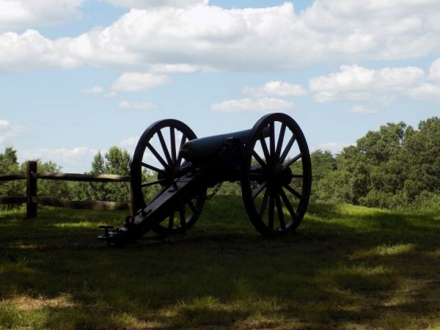 Cannon at Jackson's Lines, First Fredericksburg  (Fredericksburg & Spotsylvania National Military Park; Photography by Sarah Kay Bierle, 2016.)
