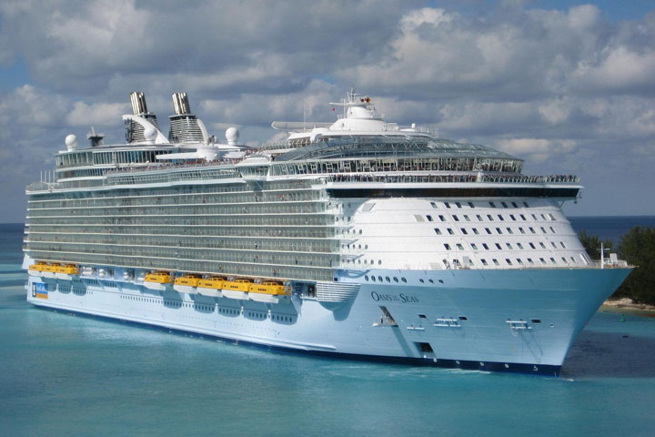 Oasis of the Seas docked in the Caribbean