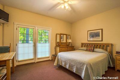 he Merlot Room at The Pearl of Seneca Lake