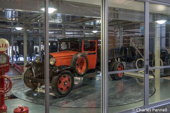 Robotic auto display at the Elliot Museum