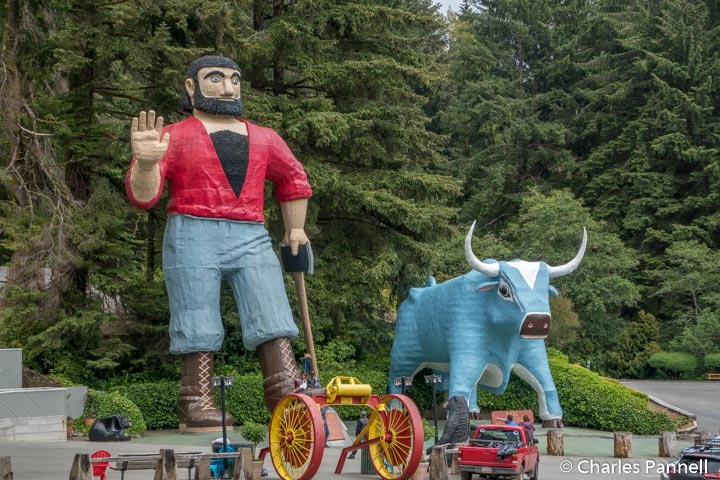 Paul Bunyan and Blue at Trees of Mystery
