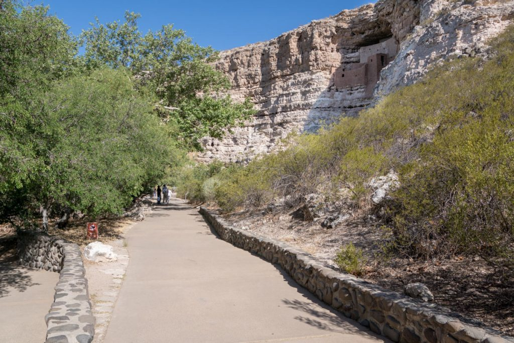 Photo showing the paved trail at  trail to the cliff dwellings at Montezuma Castle
