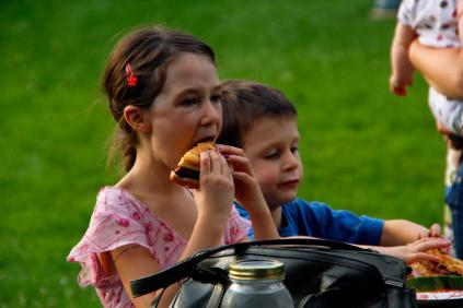 Kids chow down on burgers